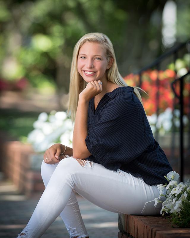 High School Senior Portrait of Young Woman | Warren Bond Photography
